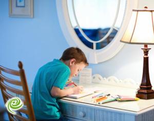 האמת מאחורי מיתוס הכנת שיעורי הבית על השולחן