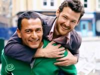 המדינה מפלה זוגות חד מיניים בקבלת אזרחות על בסיס נישואין
