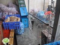 פרצו למחסן רשת מזון וגנבו קפה ובקבוקים