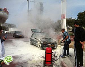 רכב שהוצת גרם לבהלה בתחנת דלק