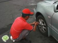 הבעל התעצבן ופירק את גלגלי הרכב!