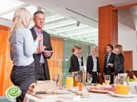 כיצד לערוך אירועים עסקיים קטנים ומוצלחים
