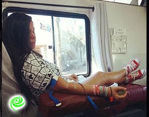 חנה תורמת… דם.