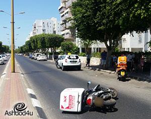 רוכב אופנוע נפצע קל בתאונה עם מונית