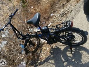 רוכב אופניים חשמליים החליק לתעלה ואיבד את ההכרה