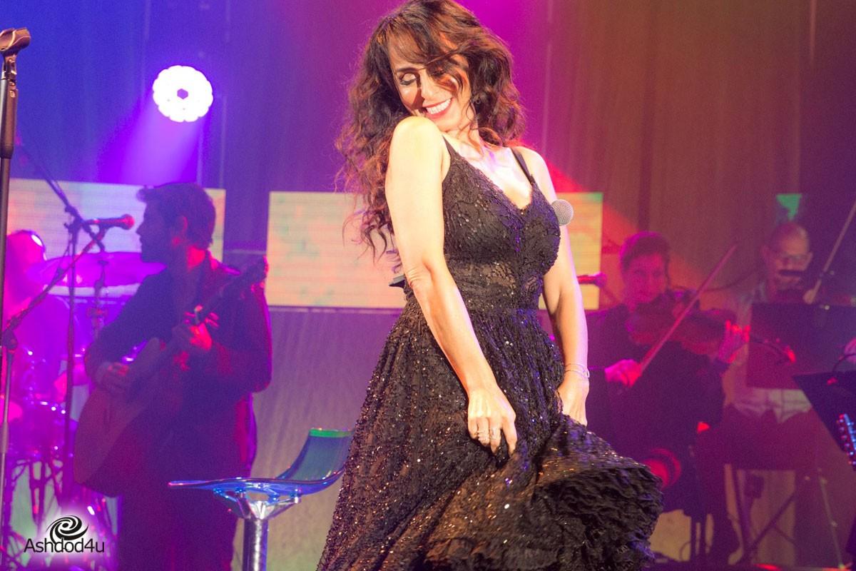 המעצבת ענבל דרור נבחרה לעצב את שמלת של המופע החדש  ריטה