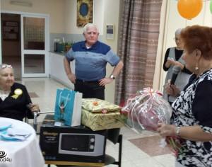 שרה גנדלין, תושבת אשדוד חוגגת יום הולדת 100!