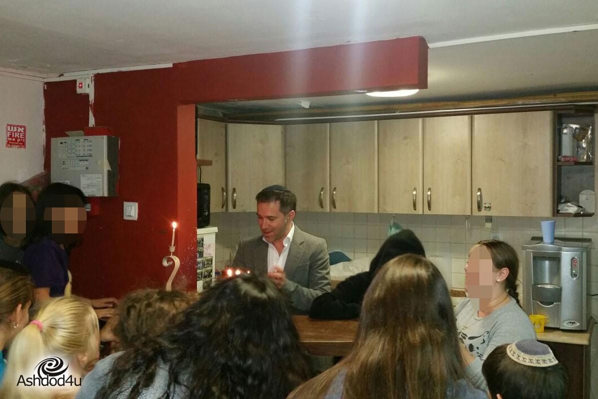 שולחן עגול אשדוד חוגג עם ילדי ״בית ידידים״