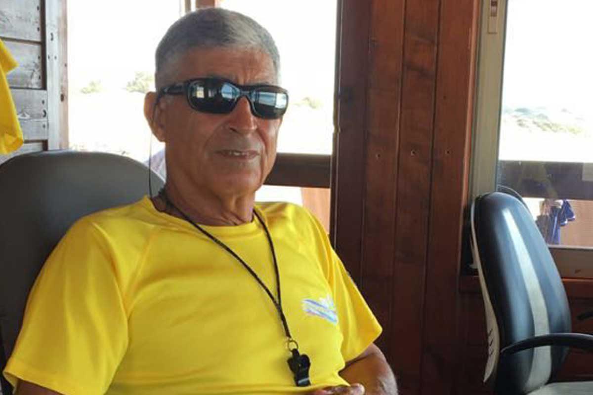 צ׳ארלי רימון הציל את מדריכת השחייה הוותיקה