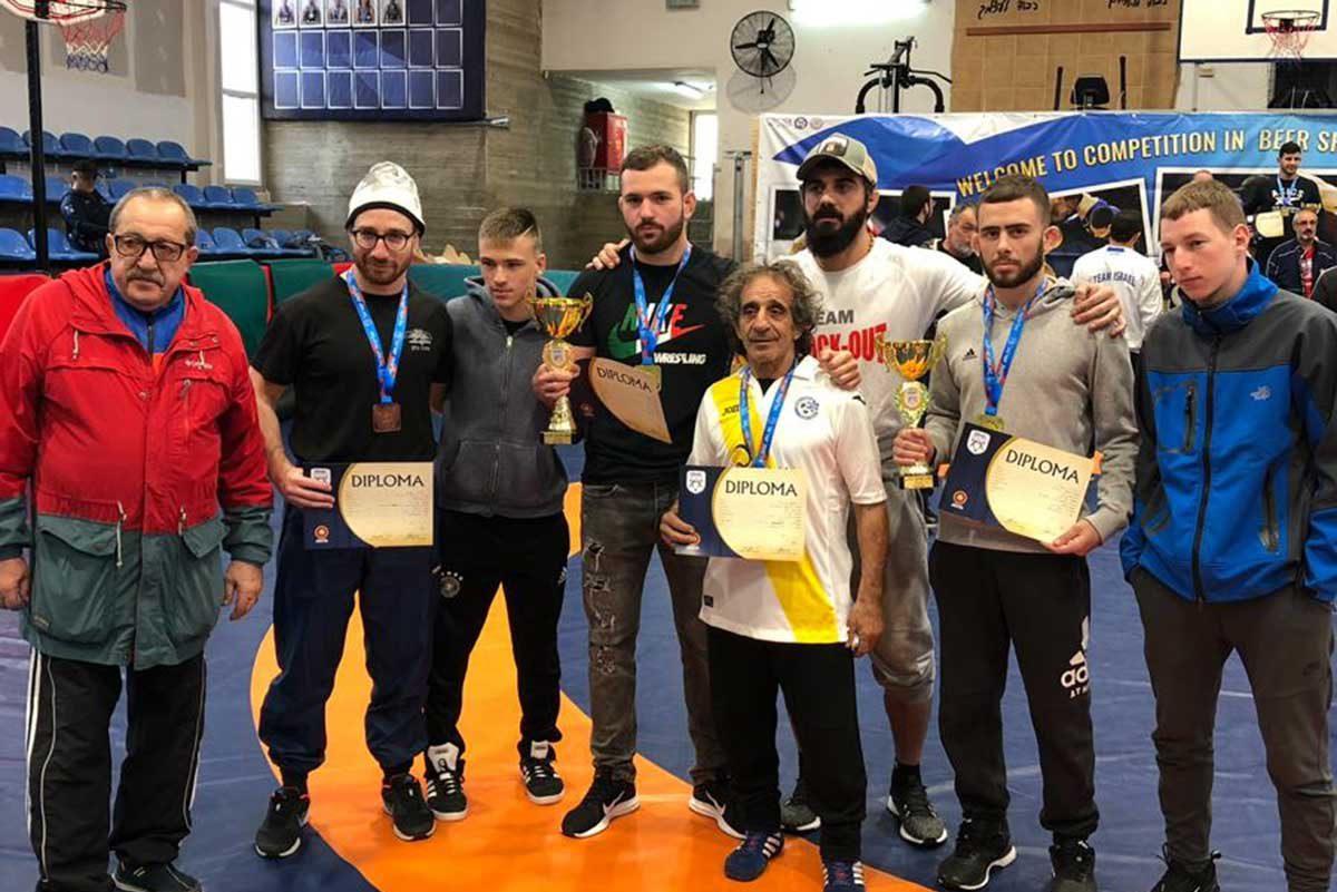 2 מדליות זהב 2 ארד למתאבקי הפועל אשדוד