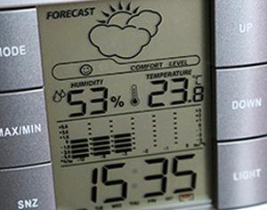 איך לבחור בצורה נכונה מד טמפרטורה ולחות?
