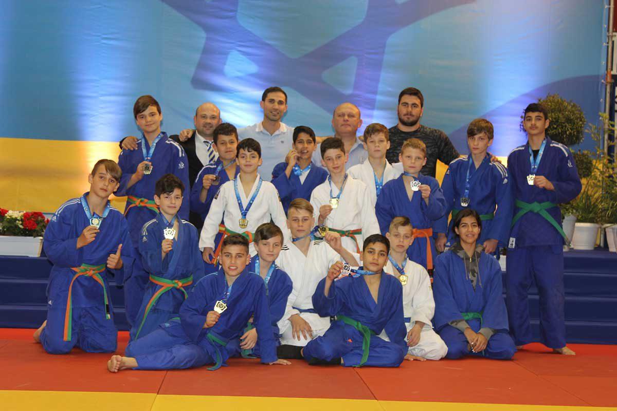 נבחרת הג׳ודו של אשדוד במקום הראשון באליפות פסח