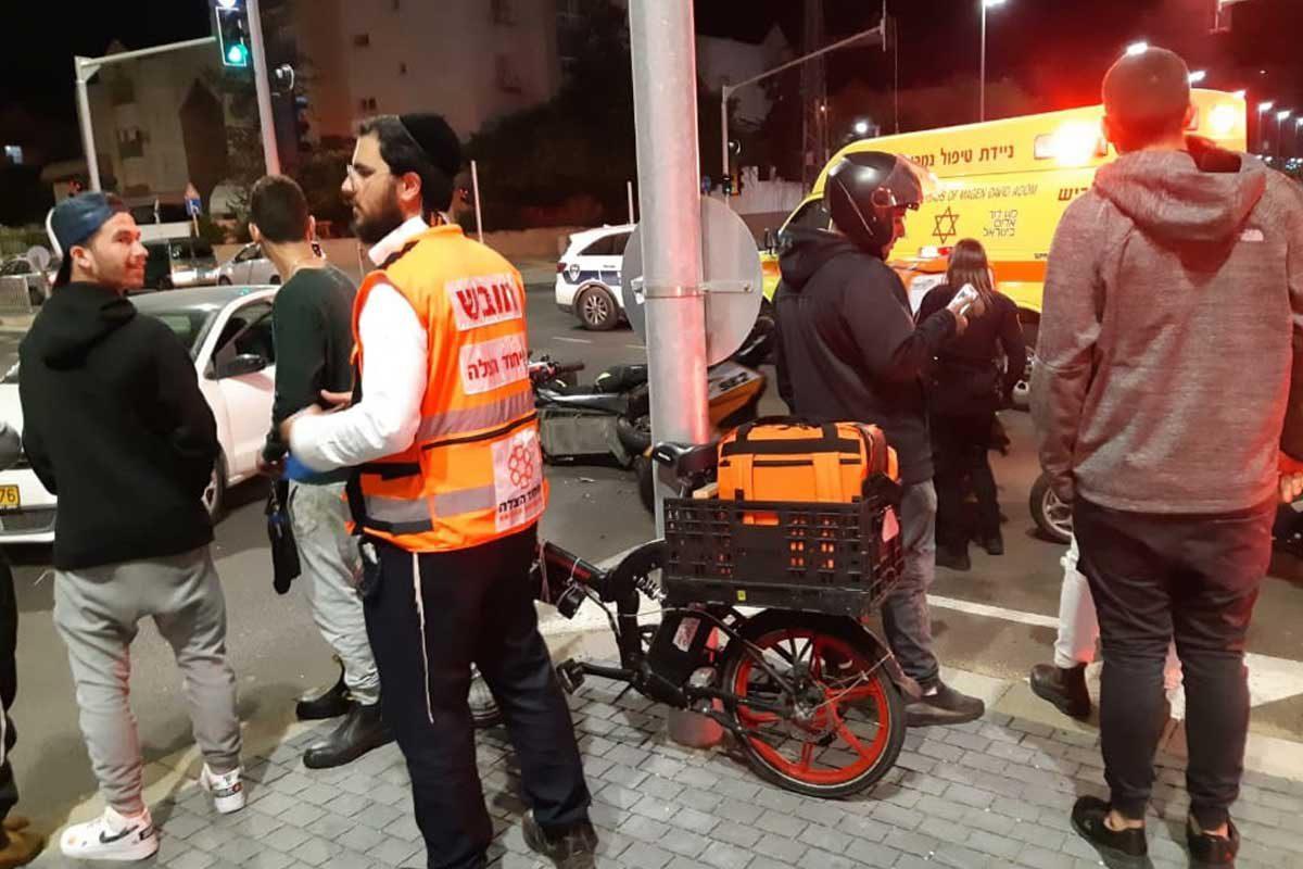 רוכב אופנוע צעיר נפצע בינוני בתאונה באשדוד