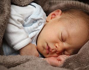 לשון קשורה אצל תינוק