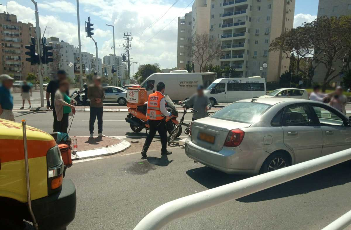 שני הולכי רגל נפצעו בתאונת דרכים