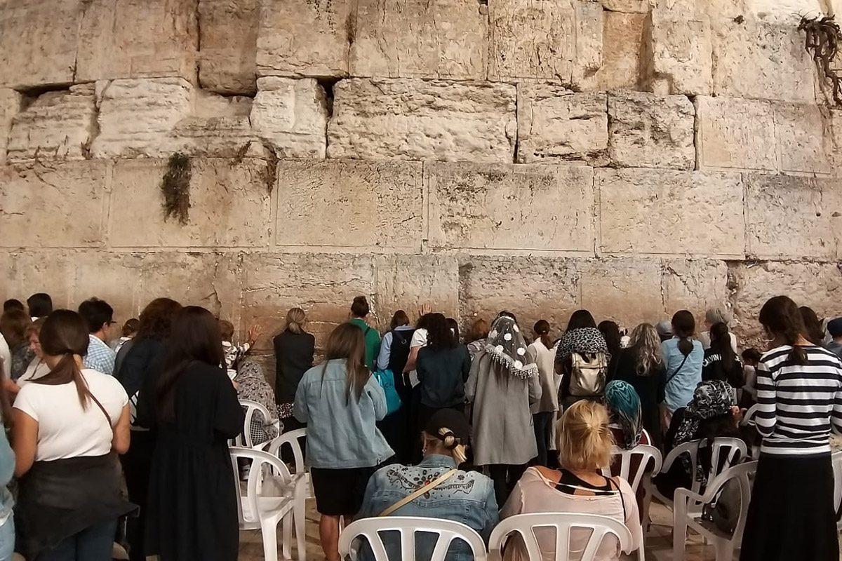 העצמה נשית באשדוד- סיור סליחות בעיר העתיקה בירושלים.