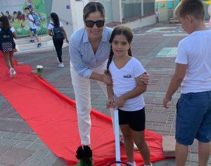 סגנית ראש העיר פותחת עם בתה את כיתה א׳