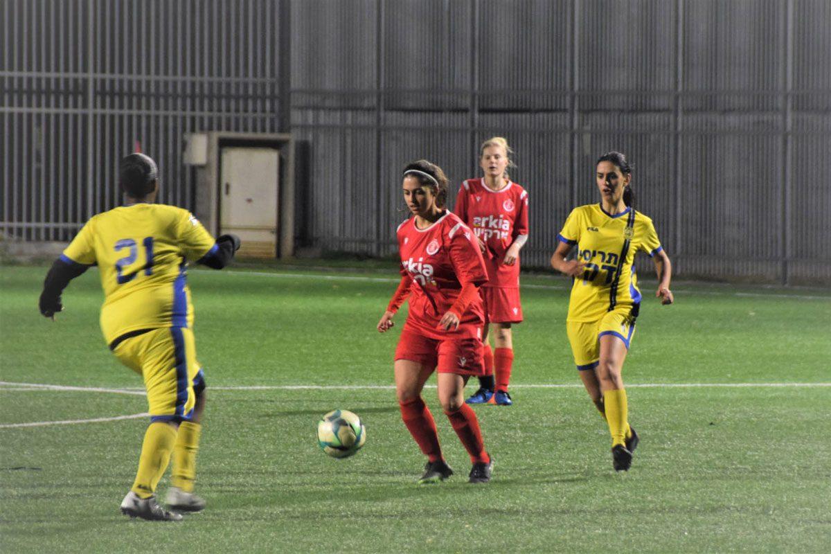 הצצה לליגת הכדורגל לנשים
