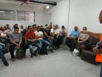 על כוונת הממשלה להחזיר פועלי הבניין הפלסטינים לשטחי הרשות