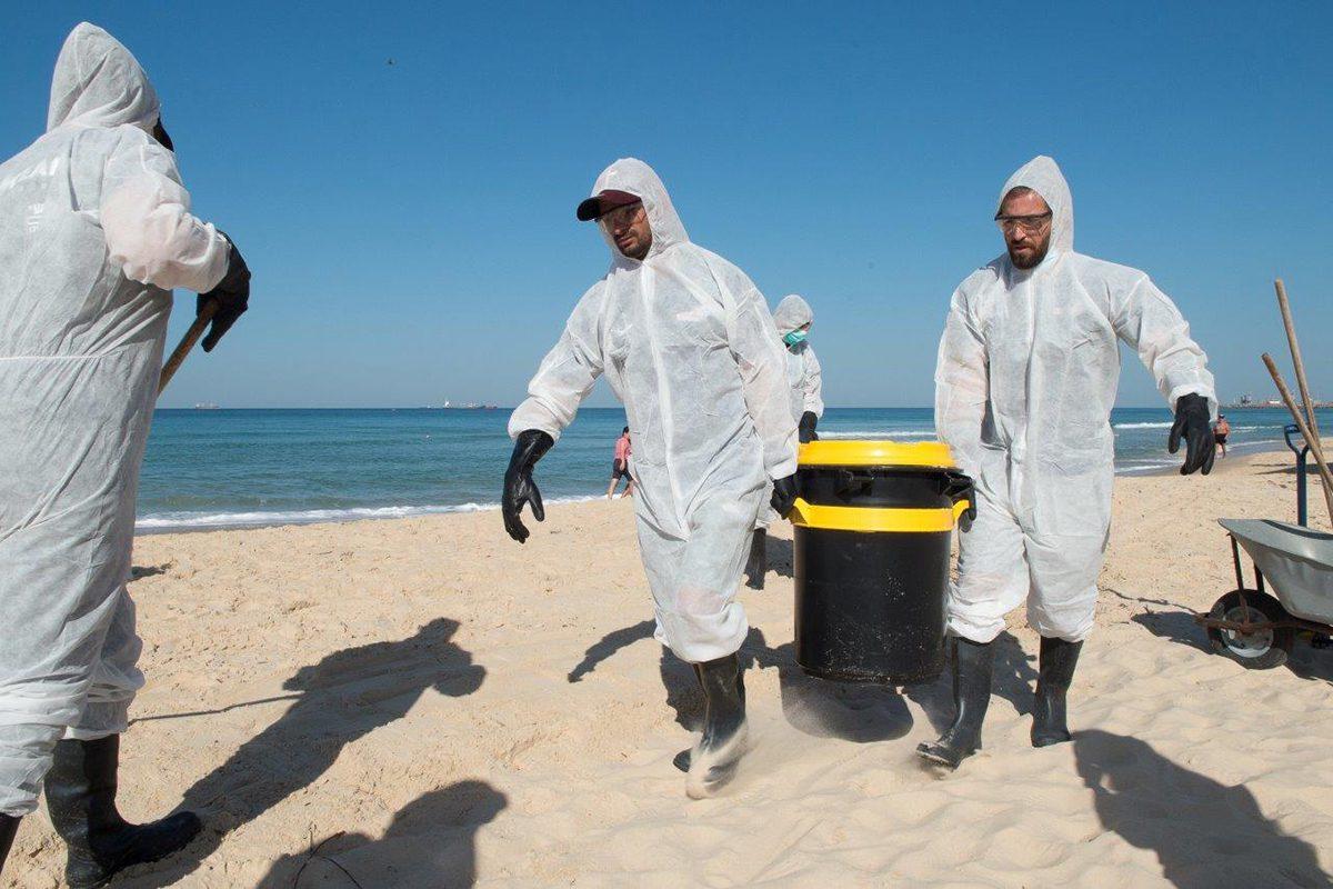 """""""חוף בראשית"""" – תרגיל לאומי לטיפול בזיהום ים וחוף"""