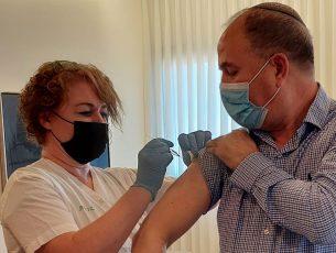 """החלה עונת חיסוני השפעת: ד""""ר לסרי: ״לכו להתחסן״"""